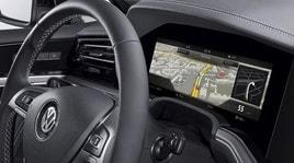 Bosch firma il primo display auto curvilineo