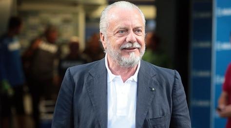 Napoli, De Laurentiis: «Se Cavani si accontenta di 6-7 milioni...»