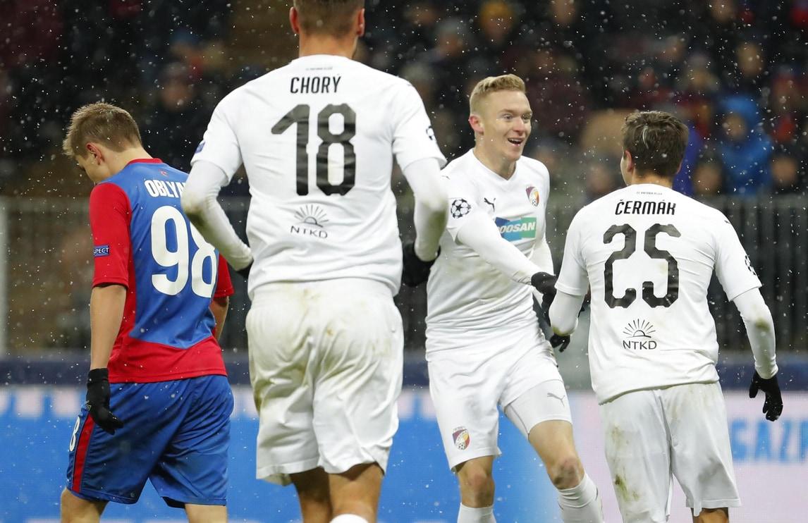 Champions League: il Cska manda la Roma agli ottavi, lo United vince al 91'