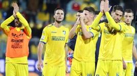 Cassata illude il Frosinone, Farias salva il Cagliari
