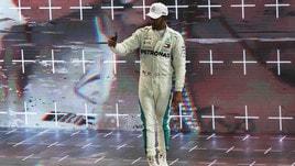 F1, Hamilton in pista a Jerez con una Superbike