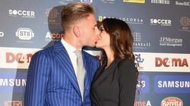 Immobile e Jessica, bacio sul red carpet