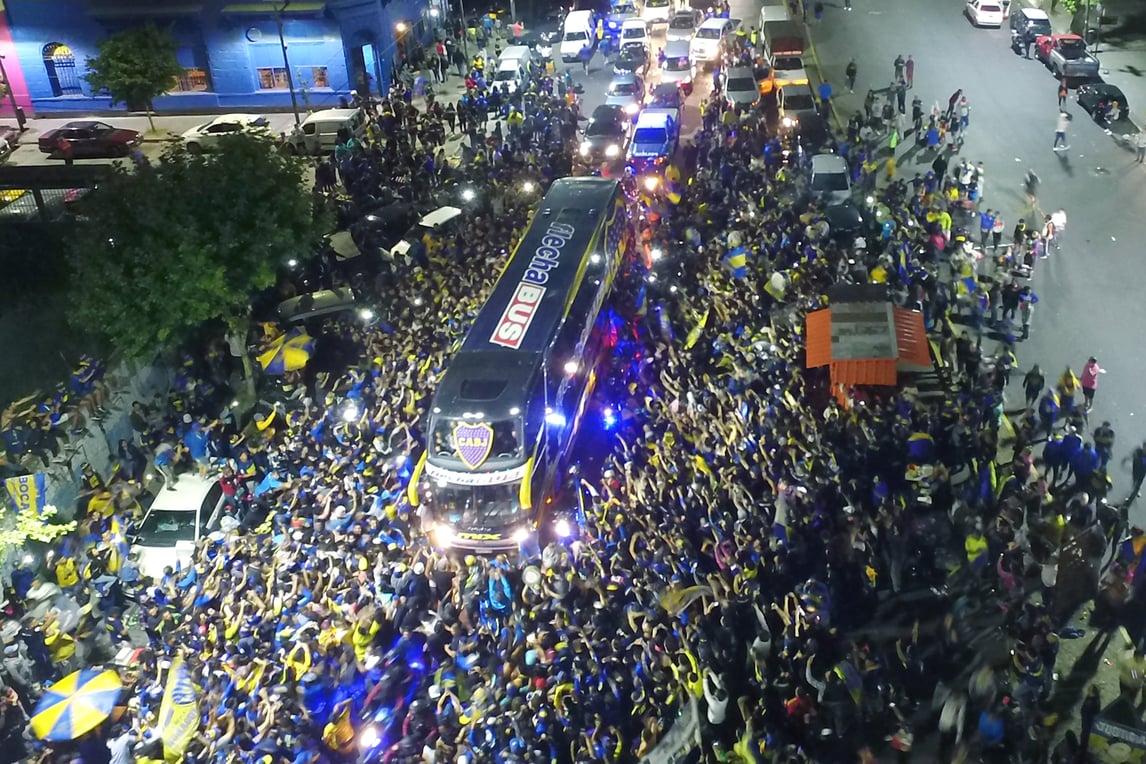 Il Boca Juniors parte per Madrid: l'entusiasmo dei tifosi