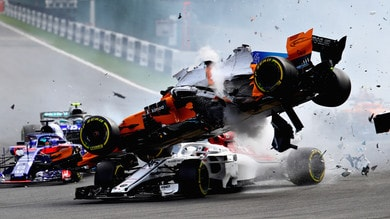 F1, Leclerc salvato dall'halo: decisivo nell'incidente in Belgio