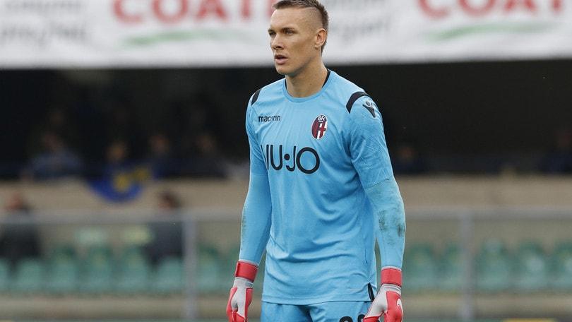 Serie A, Skorupski prende il Bologna per mano