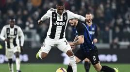 Juventus, Douglas Costa: «Napoli una rivale importante, ma anche l'Inter...»