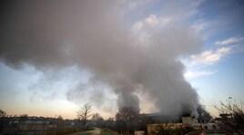 Roma, brucia impianto rifiuti: fumo sulla città