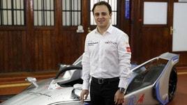 Formula E, per Massa sfida in pista con un falco
