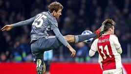 Ajax-Bayern: Muller, entrata folle e rosso diretto