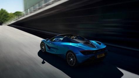 720S Spider, McLaren sfida a cielo aperto alla Ferrari