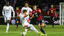 Serie B, le emozioni non mancano, i gol sì: Cosenza-Benevento 0-0