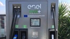 Enel X e Q8 montano la prima fast recharge in autostrada