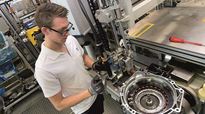 ZF, investe tre miliardi di euro sulle trasmissioni per le ibride