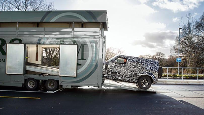 Nuova Land Rover Defender, la prima foto