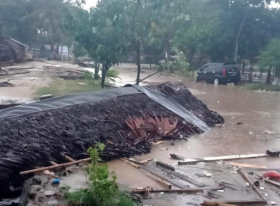 Tsunami Indonesia: bilancio 168 morti