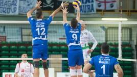 Volley: A2 Maschile, Girone Bianco, le prime perdono colpi