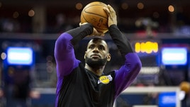 NBA, un sorriso per i Los Angeles Lakers: LeBron James vicino al rientro
