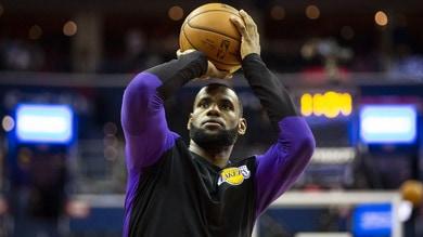 NBA, un sorriso per i Los Angeles Lakers: LeBron James vicino al rientro
