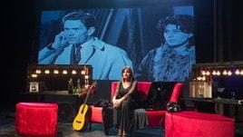 Elena Bonelli sul palco del Teatro Golden