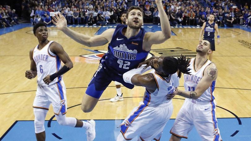 NBA, Nerlens Noel in ospedale dopo la schiacciata di Wiggins