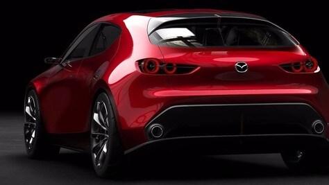 Mazda3 M-Hybrid, da marzo la compatta cambia passo