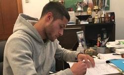 Ora è ufficiale: Rossi rinnova con la Lazio