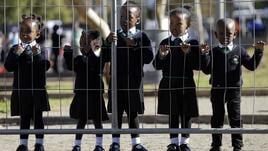 Sudafrica, maestro separa bianchi e neri