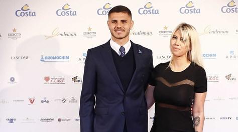 Inter, Tapiro d'oro a Wanda Nara: «Icardi? Rinnova, rinnova...»