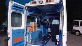 Parto in ambulanza in stazione servizio