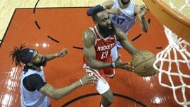 NBA, Harden fenomeno: 57 punti contro Memphis. I 25 di Gallinari non bastano ai Clippers