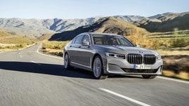 BMW Serie 7 restyling, V8 ibrido