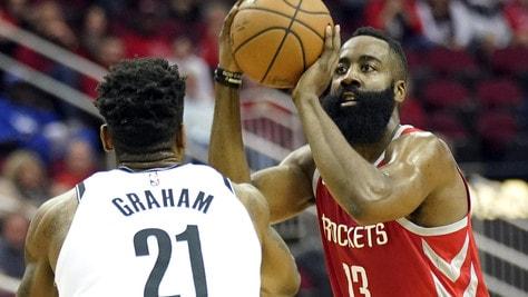 NBA, Harden no stop: 18 partite consecutive sopra i 30 punti