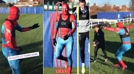 Carnevale Leicester, Vardy ha già il costume: fa Spiderman in allenamento