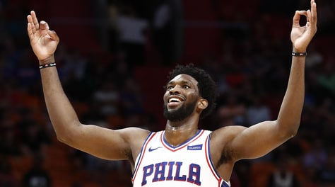 NBA: Klay Thompson da record, Embiid ferma Harden nel Martin Luther King Day
