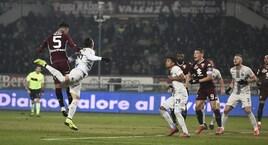 Torino-Inter 1-0: decide un gol di testa di Izzo