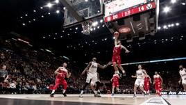 Basket Serie A: l'Olimpia Milano batte Bologna, Avellino ko. Varese vince contro Sassari