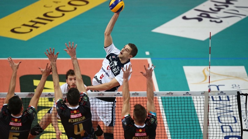 Volley: Superlega, Milano vince con Sora dopo una vera battaglia