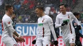 Bundesliga: Finnbogason lancia l'Augsburg, pari tra Stoccarda e Friburgo