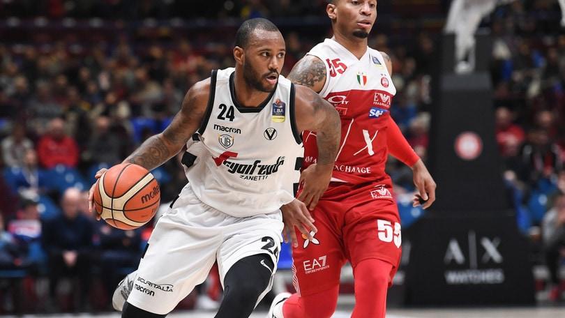Basket, Serie A: Pistoia, l'orgoglio non basta, vince l'Olimpia Milano