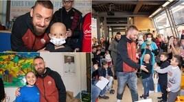 Daniele De Rossi in visita al Bambin Gesù: in regalo tanti sorrisi!