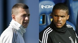 Juventus, Douglas Costa non si allena ma Bernardeschi lavora in gruppo