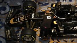 F1 ecco la nuova Haas: è tutta nera con inserti dorati