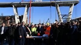 Ponte Morandi, a Genova è cominciata la demolizione