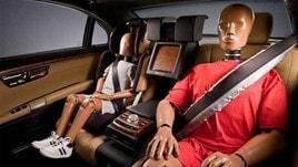 Passeggeri senza cinture: paga anche il conducente in caso di incidente