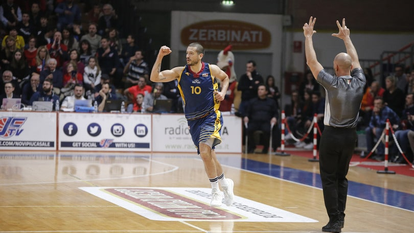 Basket Serie A2, la Virtus Roma soffre ma vince allo scadere contro Casale Monferrato