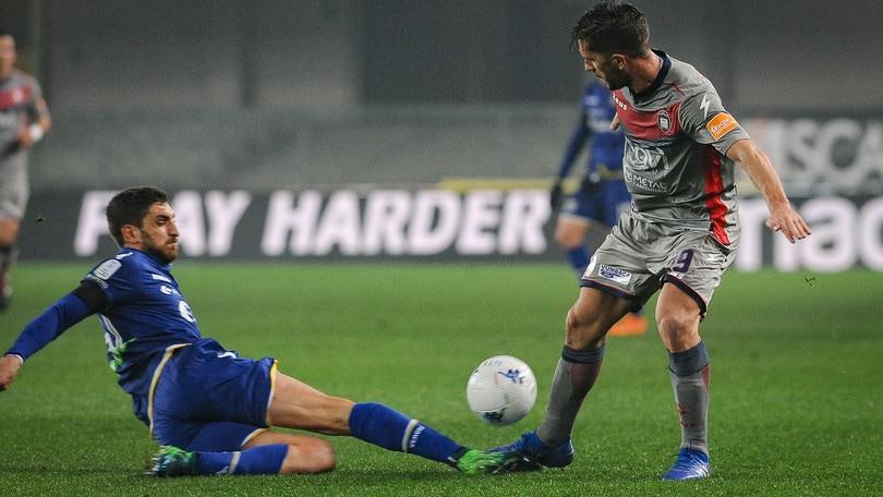 Serie B, Verona-Crotone 1-1: Di Carmine rovina i piani rossoblu