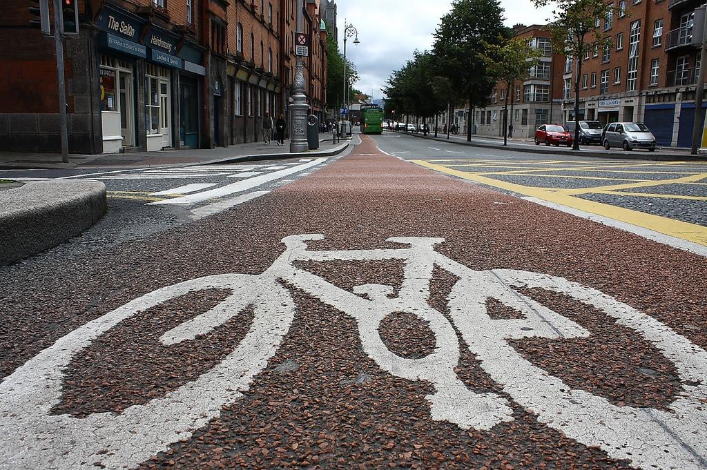 Codice della Strada, bici contromano nei centri abitati