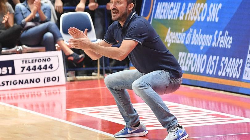 Basket Serie A: Esposito si dimette, Pozzecco è il nuovo coach della Dinamo Sassari