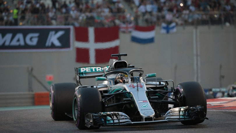 Mercedes svela la nuova W10