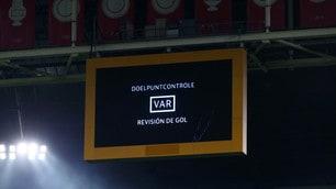 Champions, la prima volta del Var: gol annullato all'Ajax